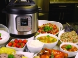 Instant Pot: Secrets of a Busy Family (Christmas Theme!)
