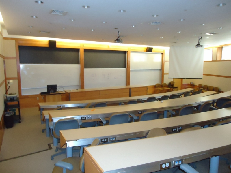 Original source: https://upload.wikimedia.org/wikipedia/commons/0/0e/Dickinson_College_18_College_classroom.jpg