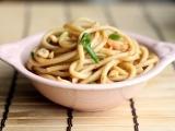 Original source: http://www.simplecomfortfood.com/wp-content/uploads/2013/05/spicy-garlic-noodles-high.jpg