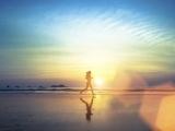 Original source: http://fittedmagazine.com/wp-content/uploads/2015/12/girl-running-on-beach.jpg