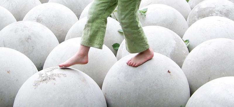 Original source: https://upload.wikimedia.org/wikipedia/commons/2/29/Balancing_on_great_white_balls.jpg