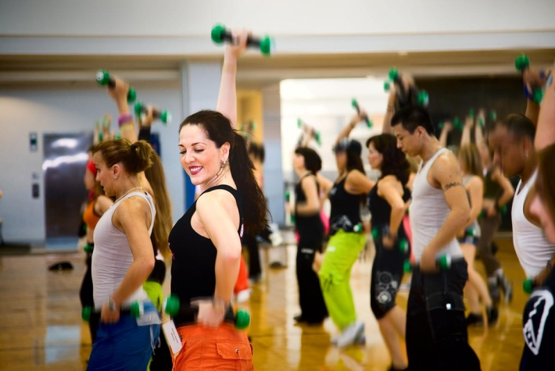 Original source: http://salsainthesuburbs.com/wp-content/uploads/2012/10/zumba_toning.jpg