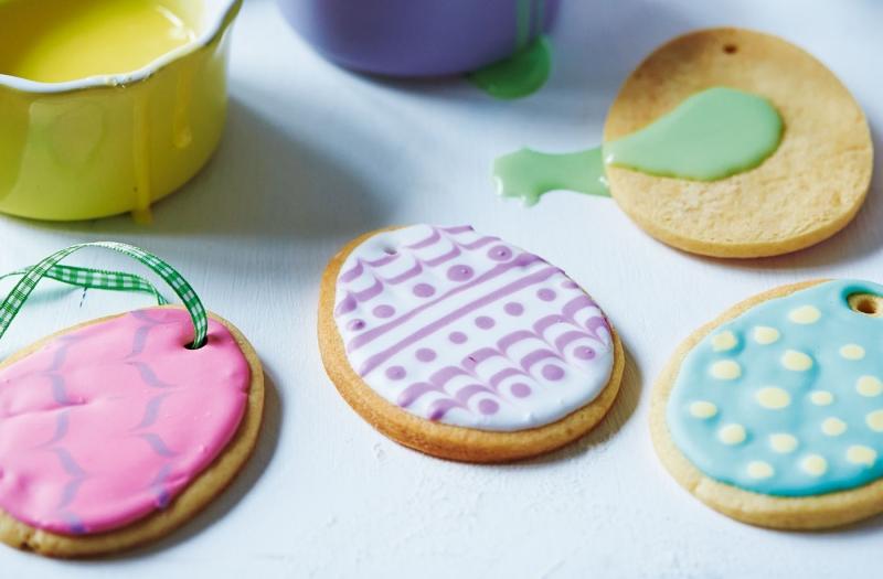 Original source: http://realfood.tesco.com/media/images/Easter-egg-biscuitsl-4c30bc82-5974-4fbc-8b5e-42f4dfe9f2cf-0-1400x919.jpg