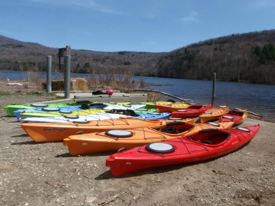 Original source: http://www.zoaroutdoor.com/tl_files/Zoar%202015/Kayaks%20-%20ZAC/Touring%20Kayaks%202.jpg