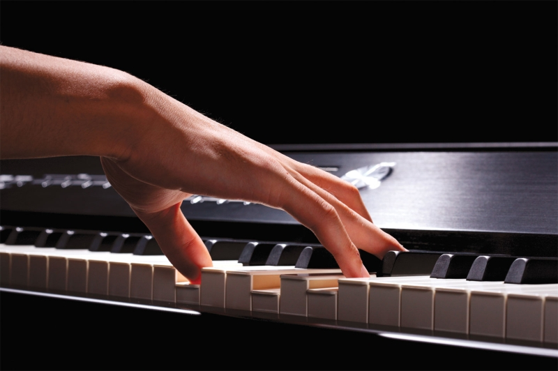 Original source: http://cdn.roland.com/assets/images/products/gallery/v_piano_keys_hand_gal.jpg