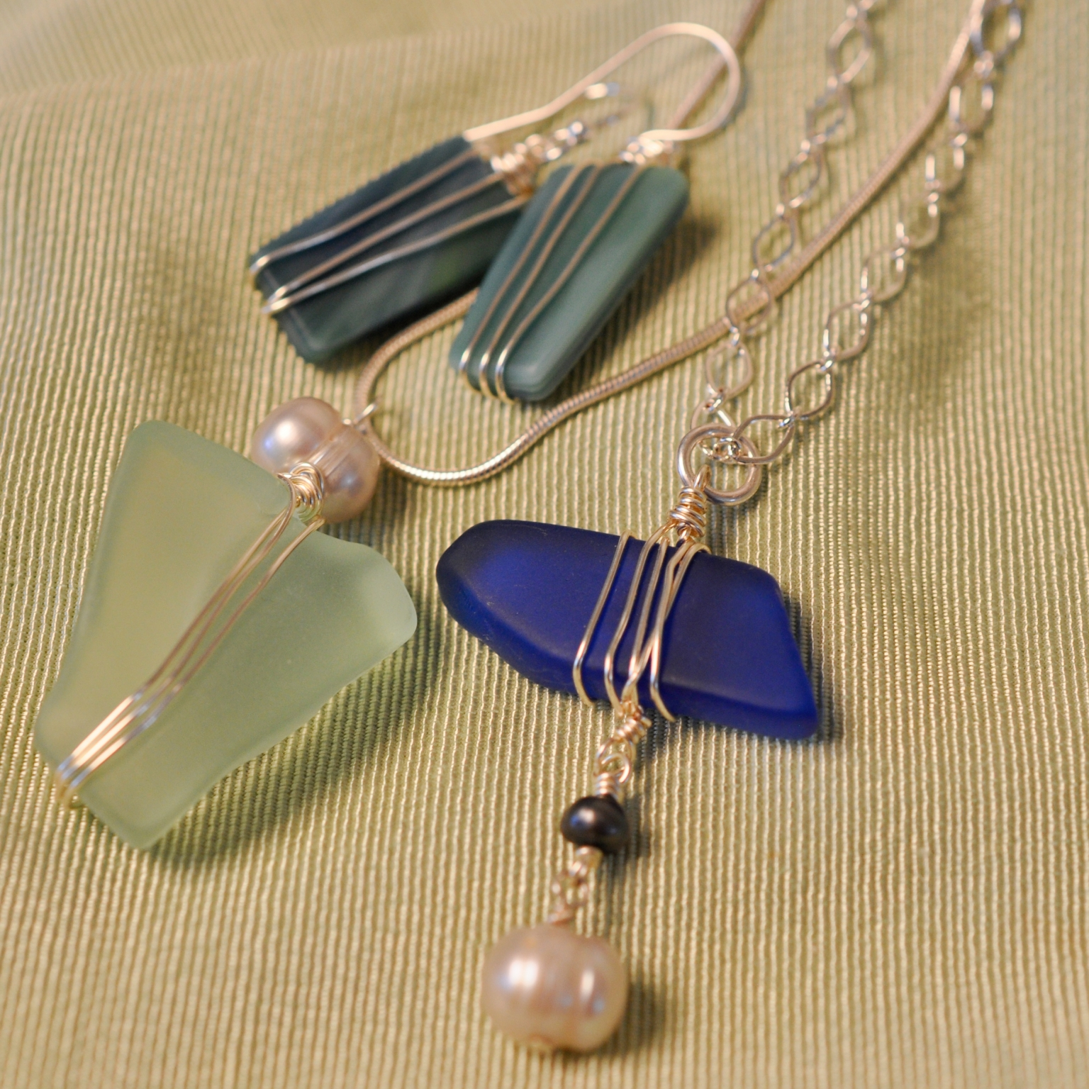 Art Night Out - Wire Bound Seaglass Necklace and Earrings
