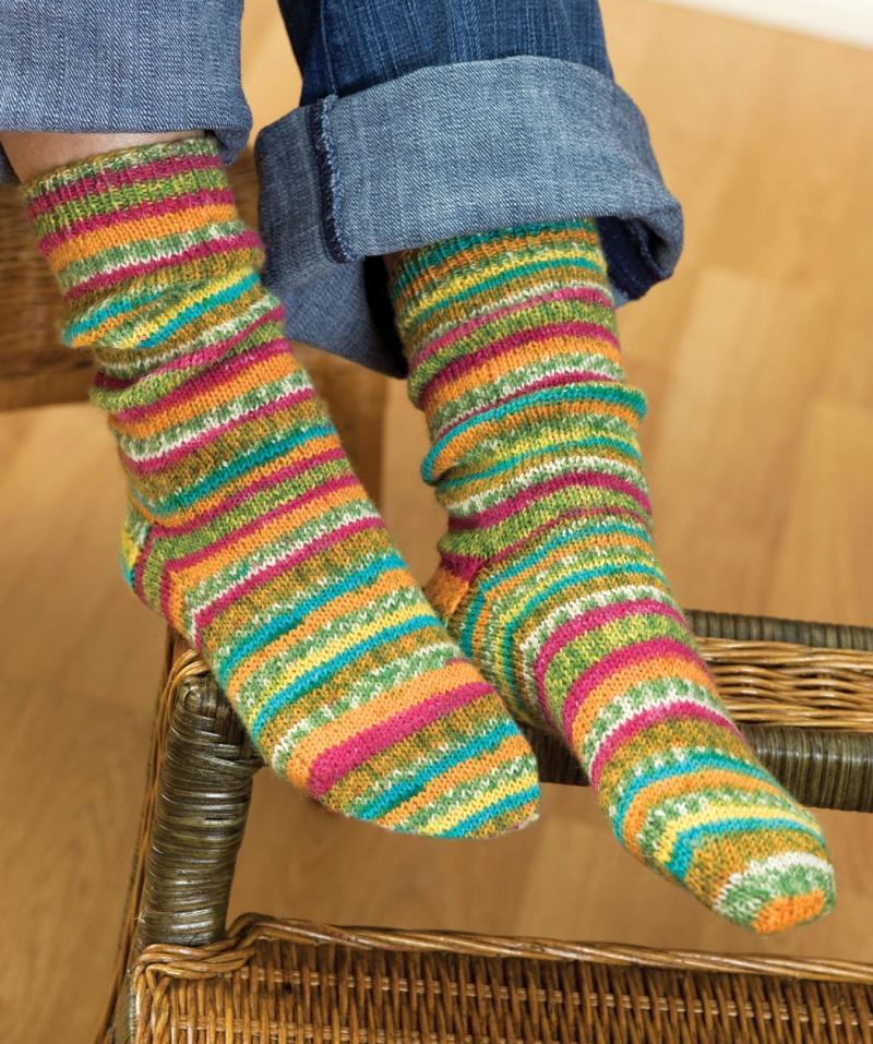 Original source: http://wdbx.org/wp-content/uploads/2016/10/Free-Self-Striping-Sock-Knitting-Pattern.jpg