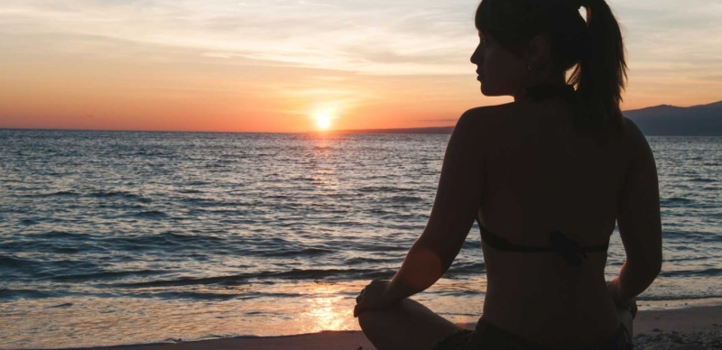 Original source: http://www.sonima.com/wp-content/uploads/2015/12/Beach-Meditation_1420x690_acf_cropped.jpg