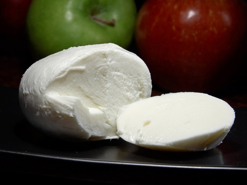 Original source: https://upload.wikimedia.org/wikipedia/commons/5/50/Mozzarella_cheese.jpg