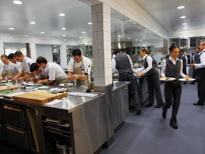 Original source: http://images.meadowood.com/www_meadowood_com/The_Restaurant_Kitchen1.jpg