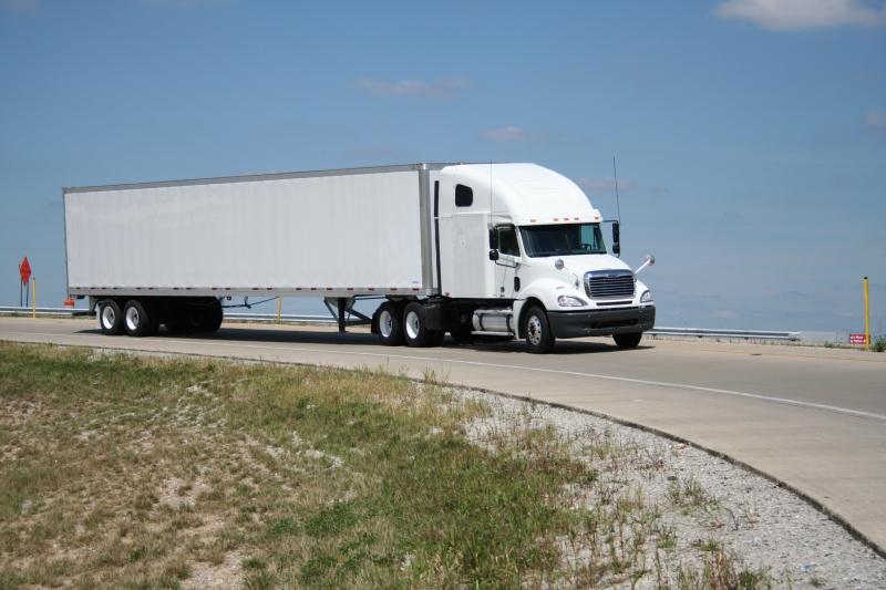Original source: http://blog.c1training.com/wp-content/uploads/2012/04/2005-Freightliner-photos-interstate-009.jpg