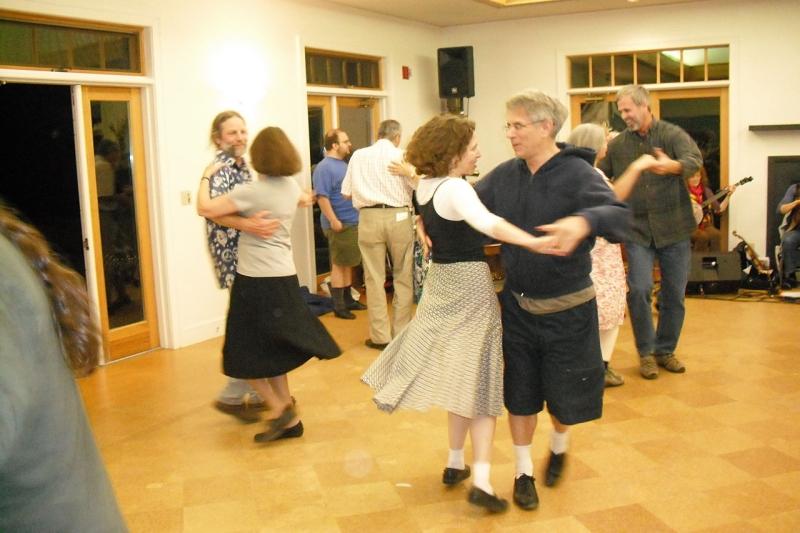 Original source: https://upload.wikimedia.org/wikipedia/commons/thumb/9/97/Swing_at_the_Annapolis_contra_dance1.jpg/1280px-Swing_at_the_Annapolis_contra_dance1.jpg