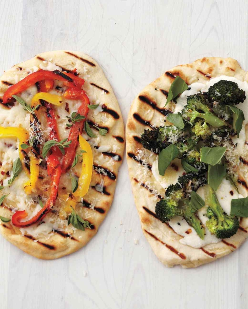 Original source: http://www.marthastewart.com/sites/files/marthastewart.com/styles/wmax-520-highdpi/public/d33/grilled-flatbread-pizza-med108462/grilled-flatbread-pizza-med108462_vert.jpg?itok=3mMg4kNN