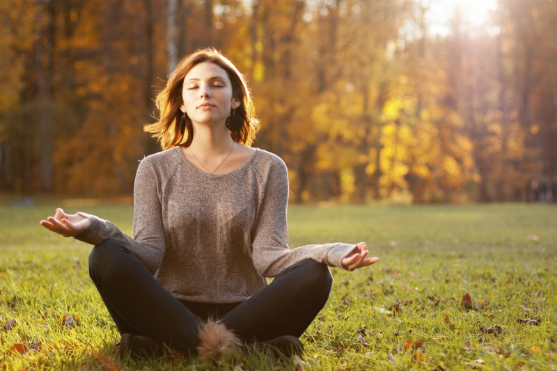Original source: https://www.health.harvard.edu/media/content/images/meditation-mind-mood-fall-womaniStock_000040993530_Large.jpg