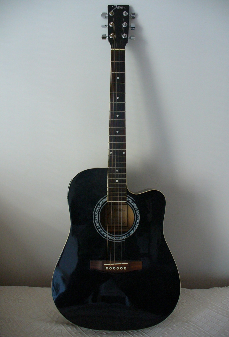 Original source: https://upload.wikimedia.org/wikipedia/commons/2/28/Johnson_electric_acoustic_guitar_1.jpg