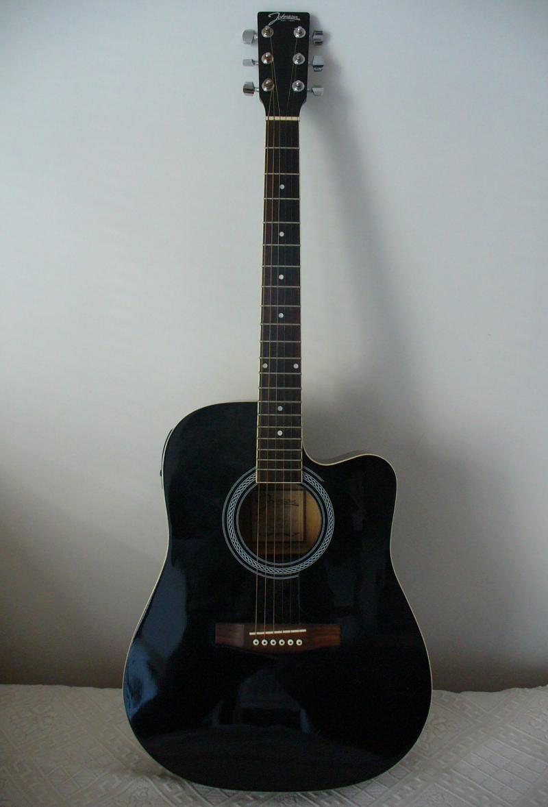 Original source: https://upload.wikimedia.org/wikipedia/commons/2/28/Johnson_electric_acoustic_guitar_1.jpg