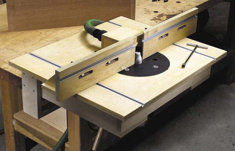Original source: http://www.popularwoodworking.com/wp-content/uploads/router-table-fence-plans.jpg