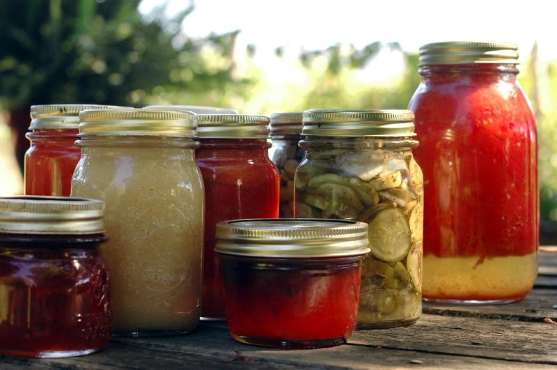 Original source: http://fyi.uwex.edu/news/files/2013/05/food-preservation.jpg