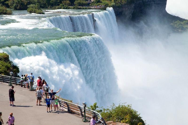 Original source: https://s27363.pcdn.co/wp-content/uploads/2016/06/Niagara-Falls-48-Hours-1163x775.jpg.optimal.jpg