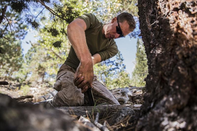 Original source: https://upload.wikimedia.org/wikipedia/commons/thumb/0/0c/Marines_learn_survival_skills_in_mountainous_terrain_140828-M-ST621-140.jpg/1280px-Marines_learn_survival_skills_in_mountainous_terrain_140828-M-ST621-140.jpg