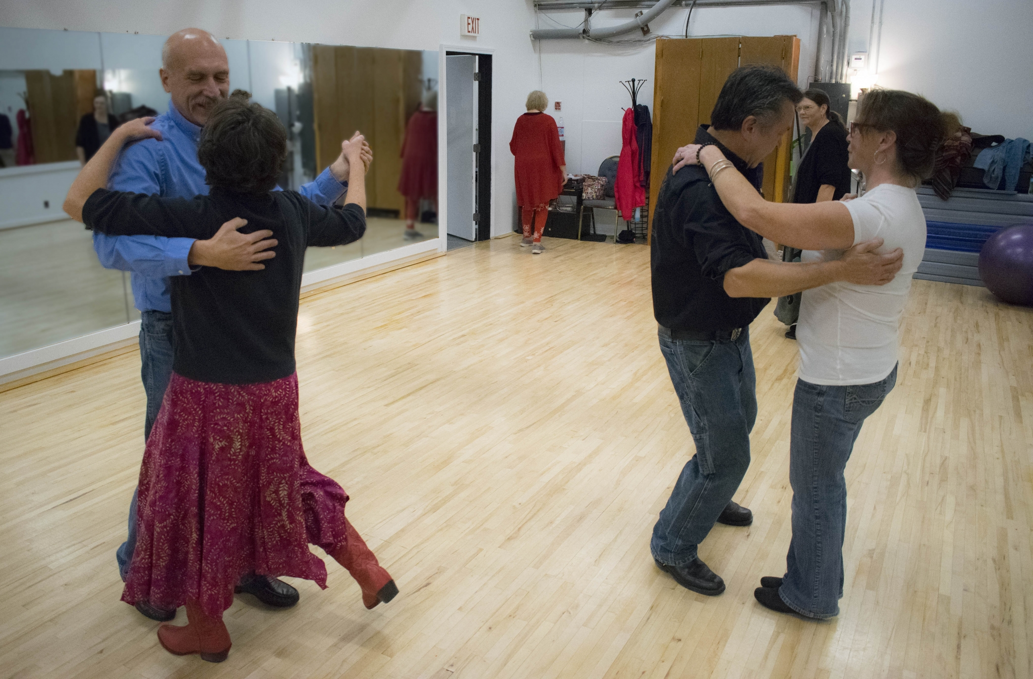 Ballroom Dance, Intermediate Session IV