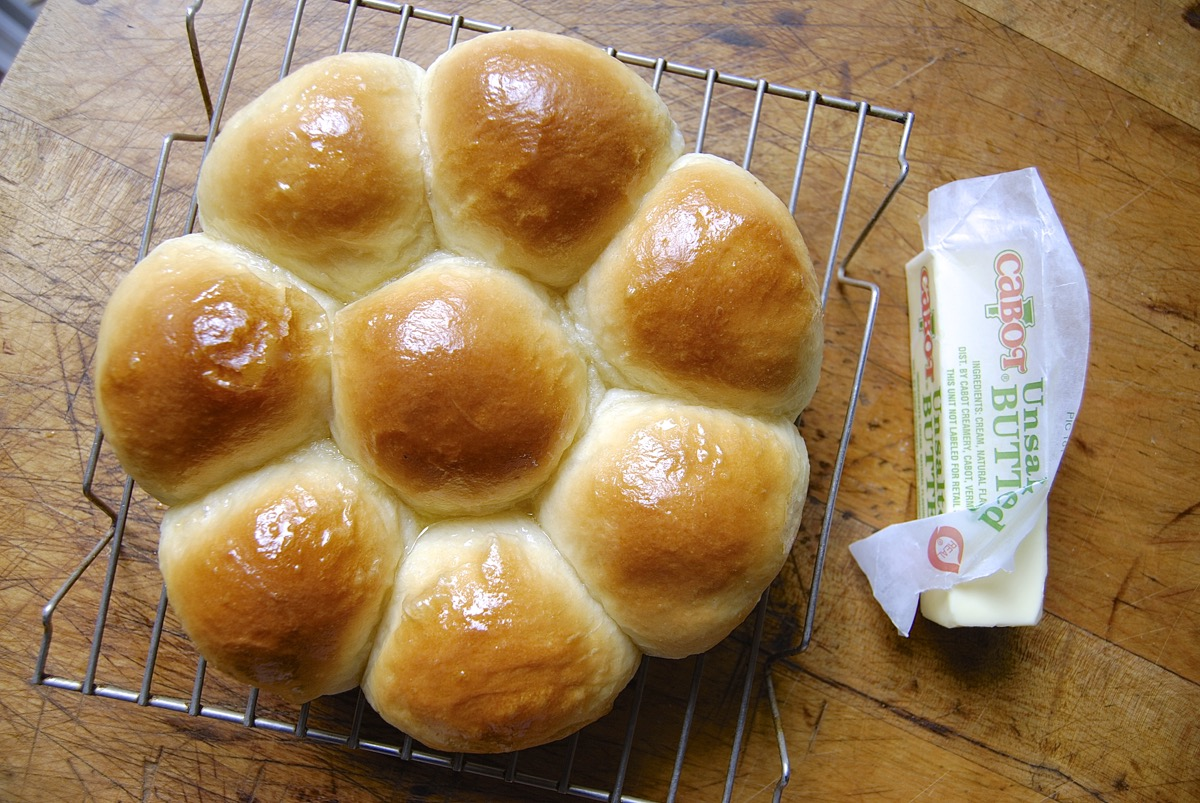 YEAST ROLLS MADE EASY
