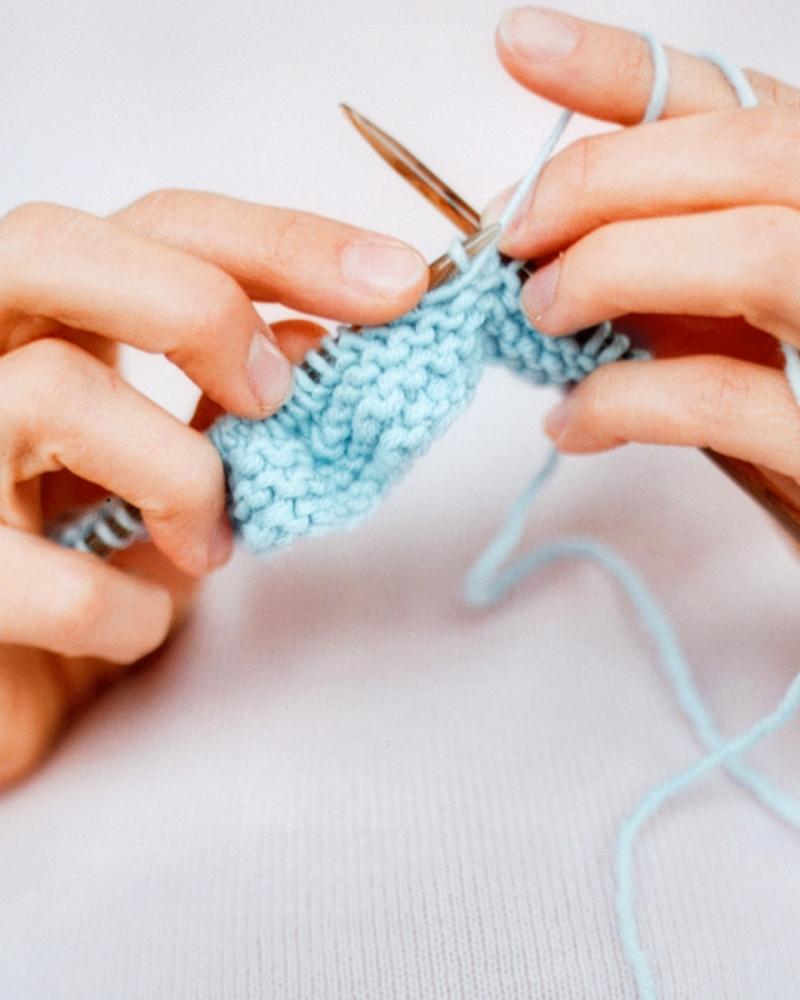 Original source: http://assets.marthastewart.com/styles/wmax-520-highdpi/d13/ft_knitting15/ft_knitting15_vert.jpg?itok=zuSUkNlM