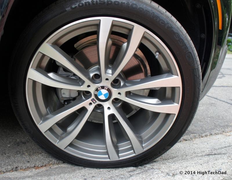Original source: https://upload.wikimedia.org/wikipedia/commons/5/53/Front_Tire_%28run-flat_flat_tire%29-_2014_BMW_X5_xDrive_35i_%2815043065452%29.jpg